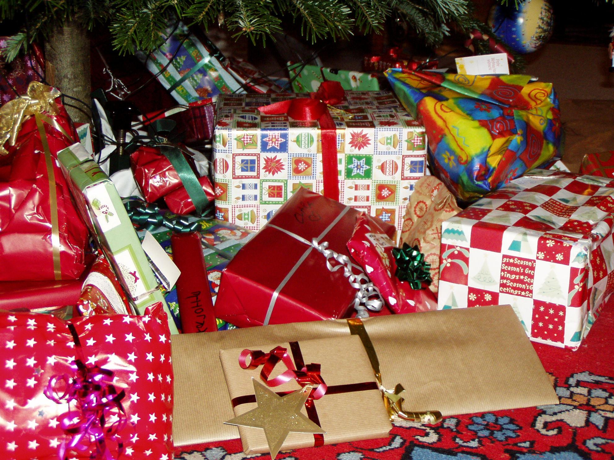 Wer Bringt Weihnachtsgeschenke In Spanien.Weihnachtsgeschenk Wikipedia