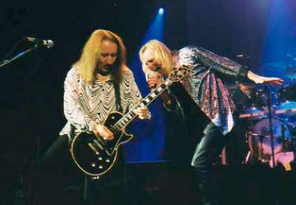 Mick Box and Bernie Shaw performing live in London Heep mbp2001 01.jpg