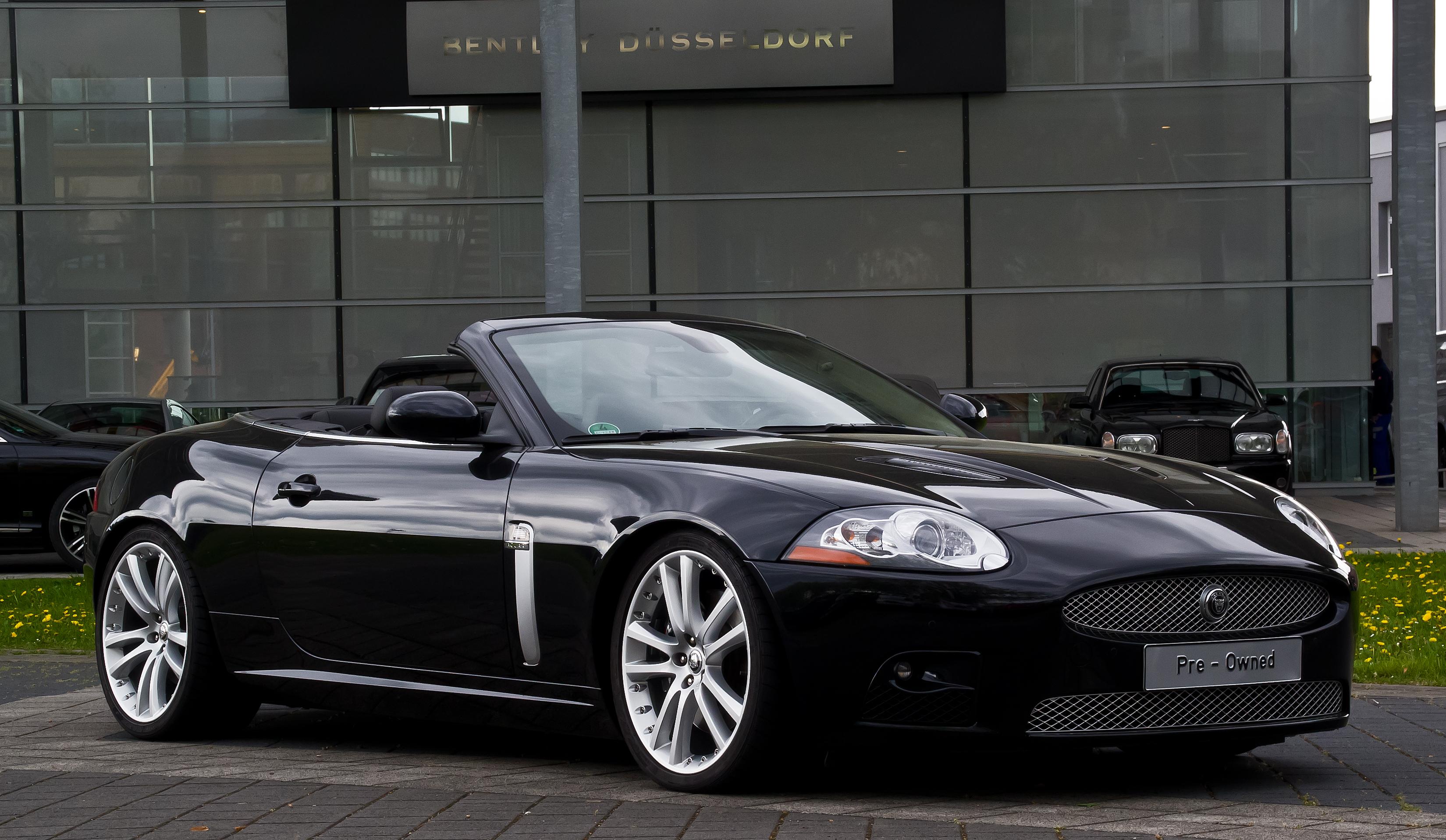 xk jaguar cabriolet