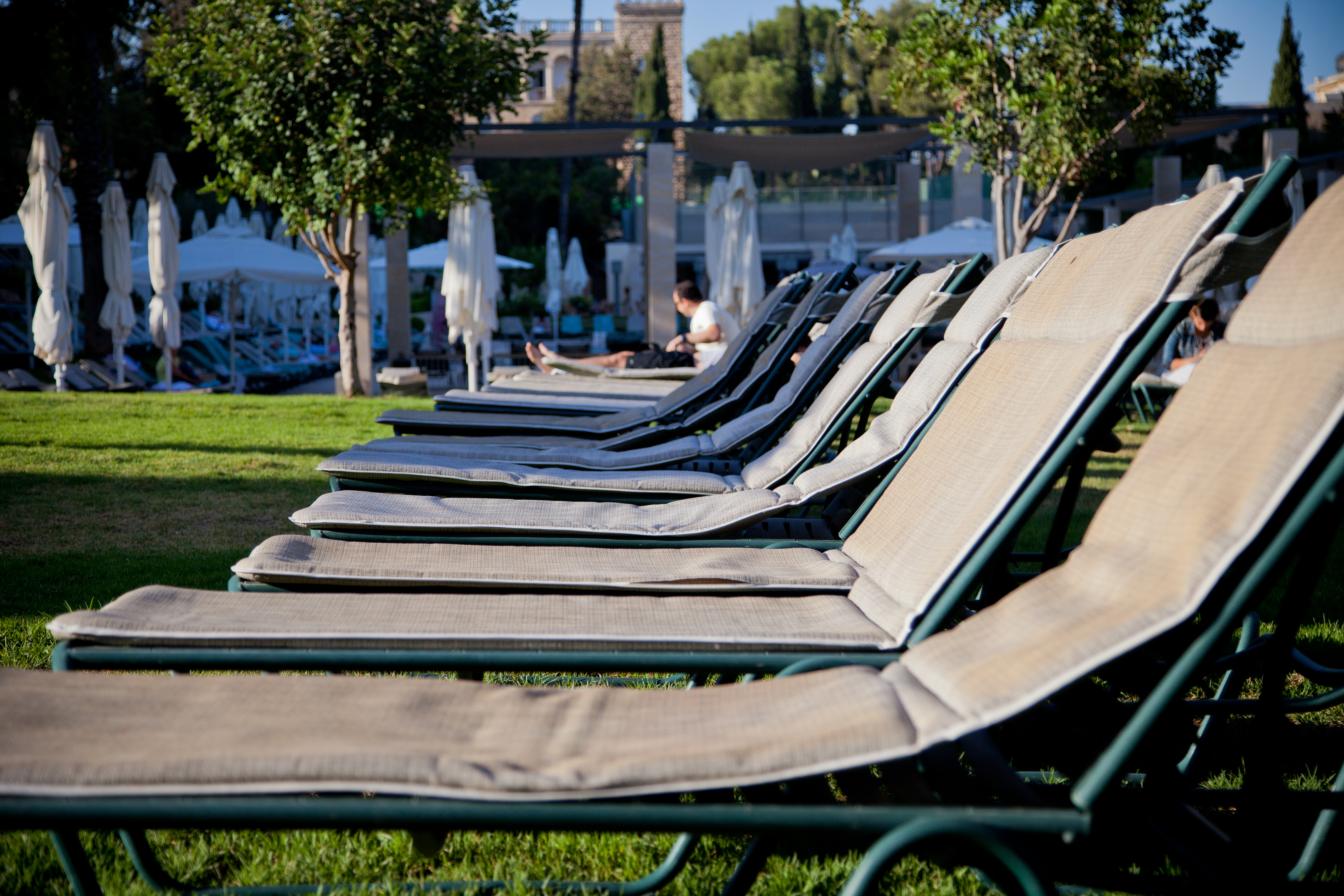 File King David Hotel Pool Chairs Wikimedia mons