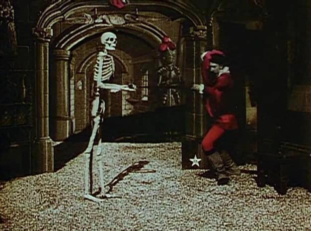 фильм ужасов замок