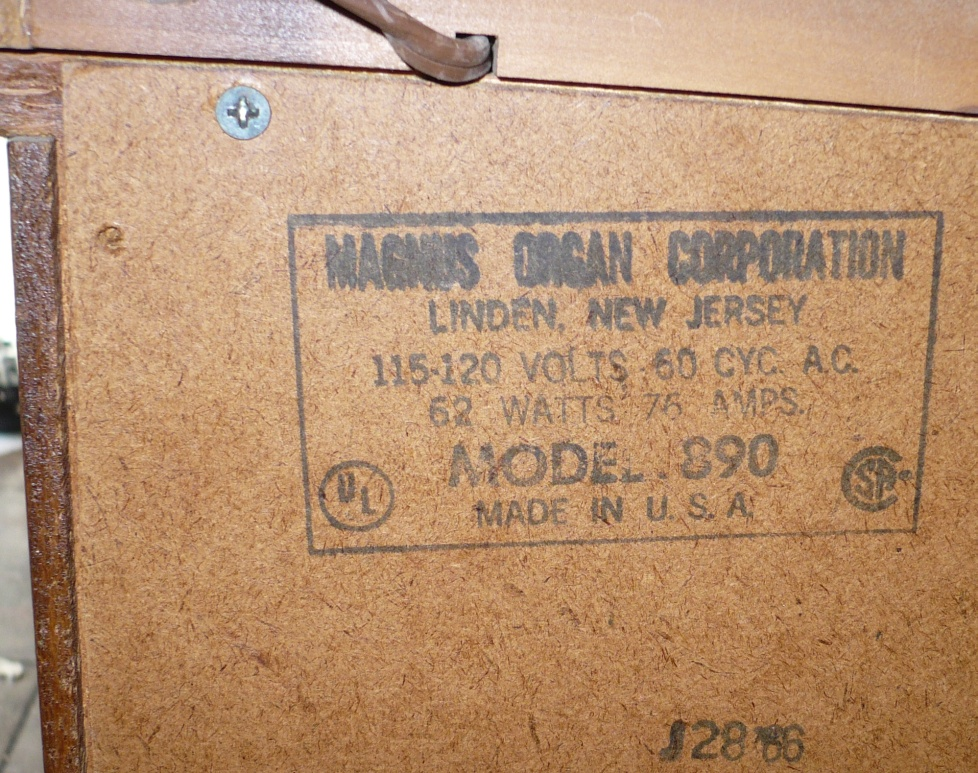 File:Magnus 890 electric chord organ manufacturers stamp.JPG ...