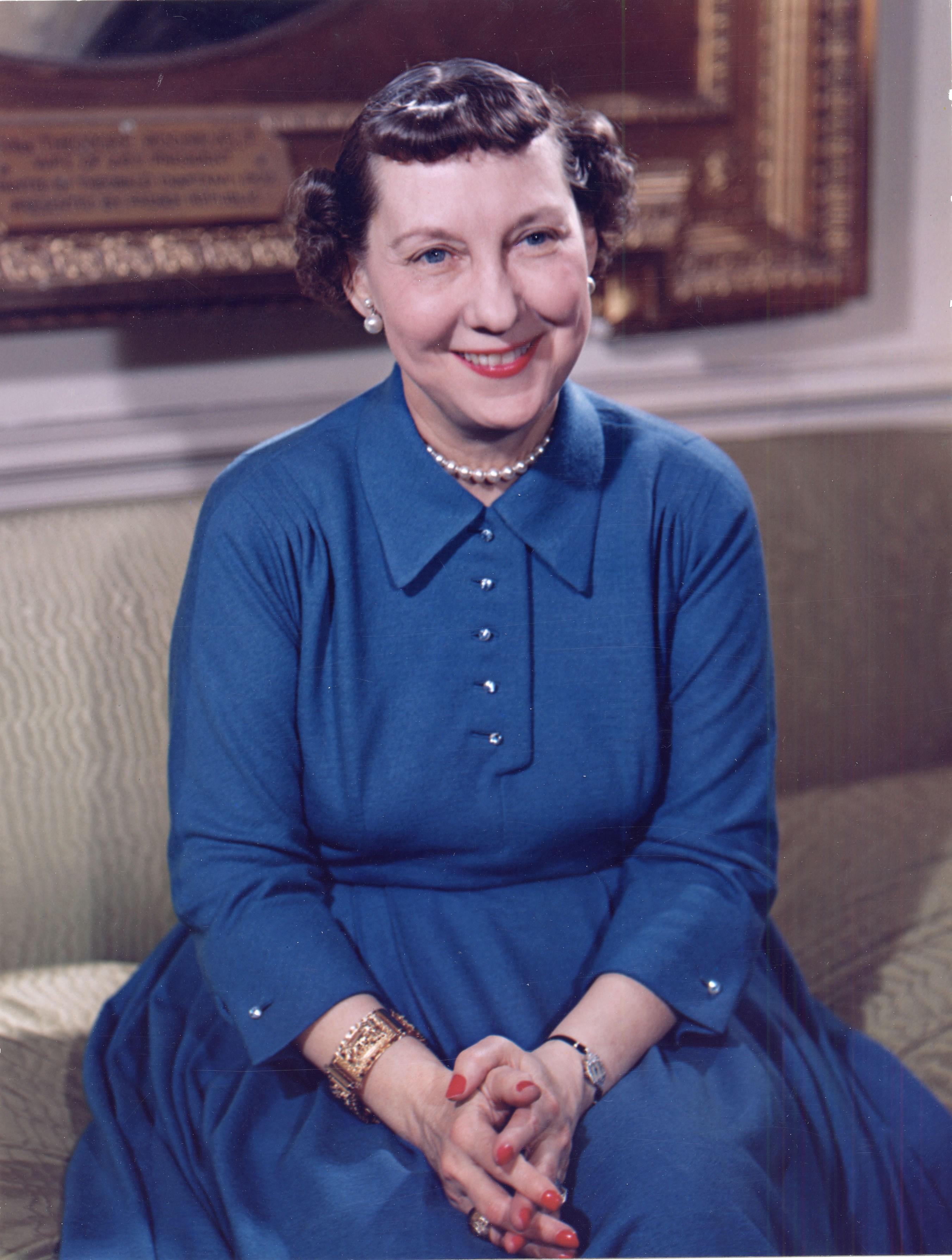 File:Mamie Eisenhower color photo portrait, White House ...