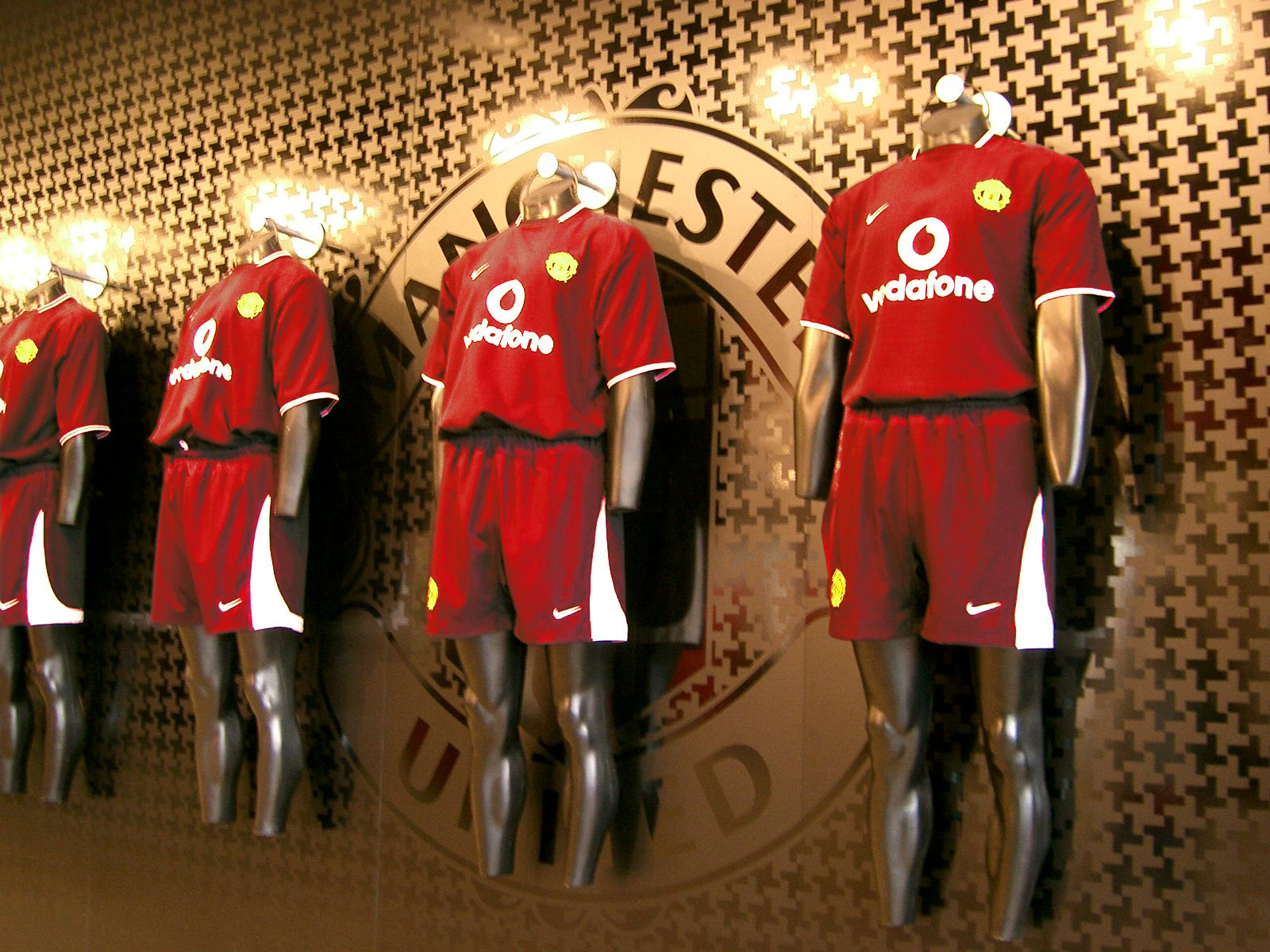hot sale online 9a13c eda8c File:Manchester United kits.jpg - Wikimedia Commons