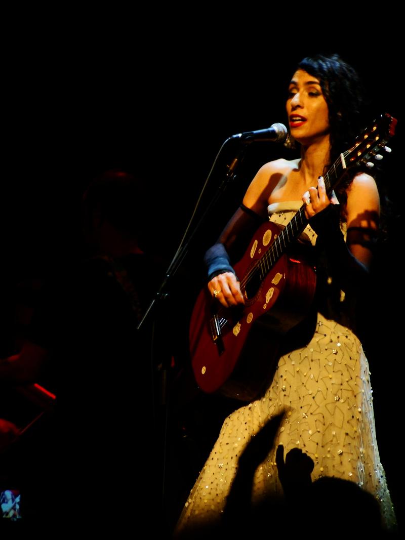 Marisa Monte en vivo en 2012.