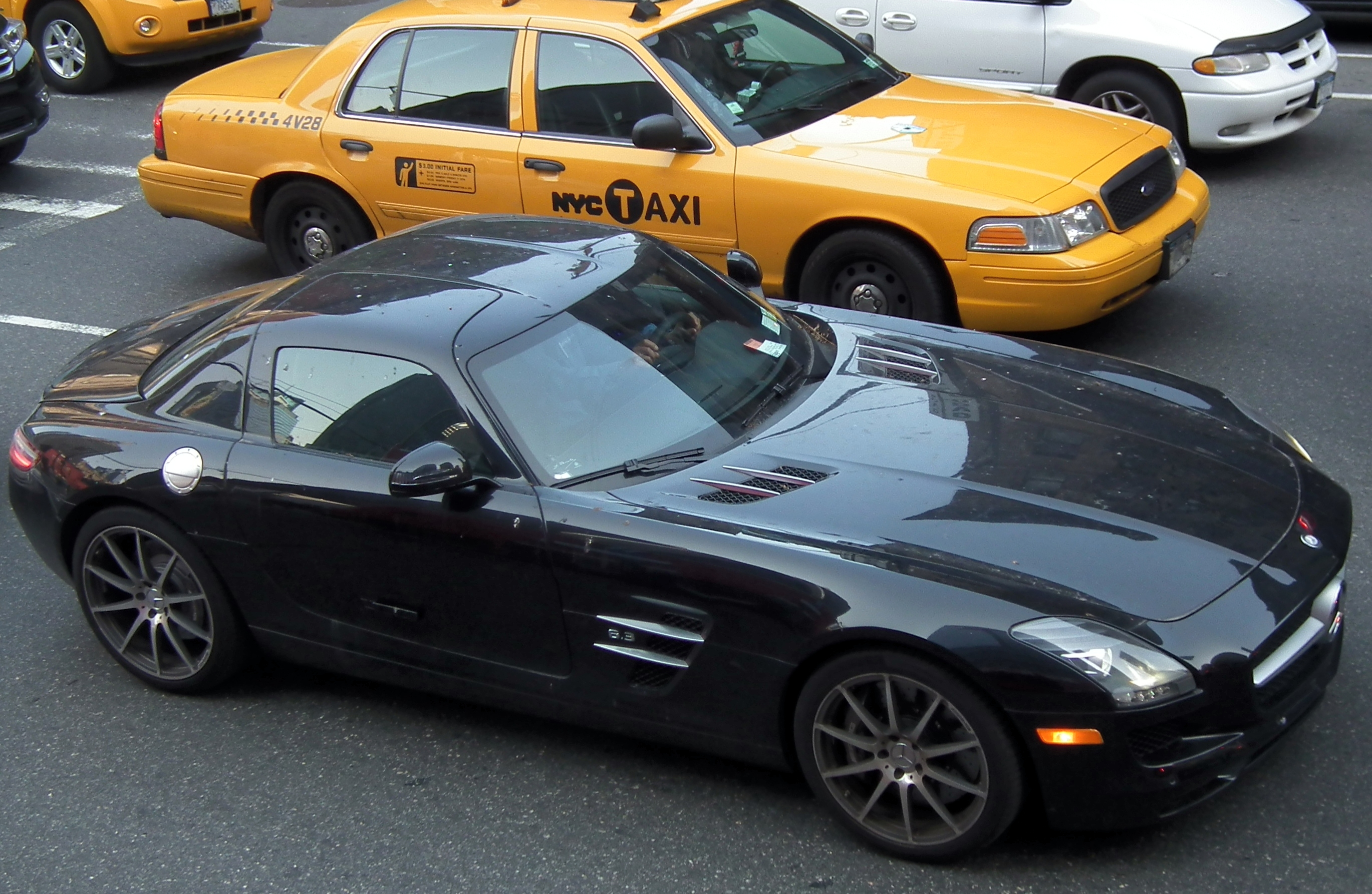File mercedes benz sls amg in new york for Mercedes benz nyc