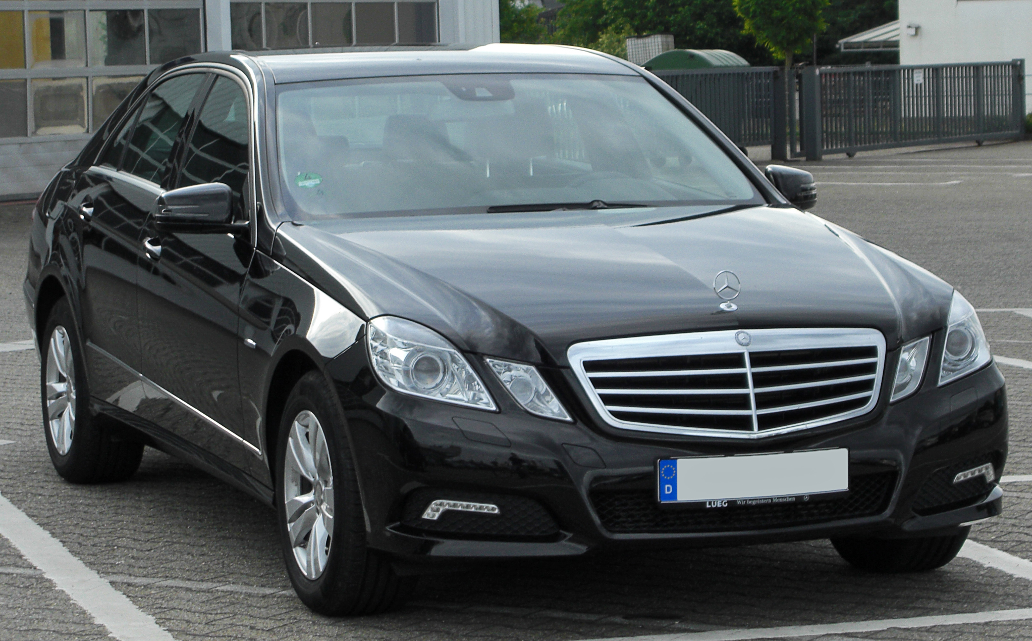 file mercedes e 200 cdi blueefficiency avantgarde w212 front wikimedia commons. Black Bedroom Furniture Sets. Home Design Ideas