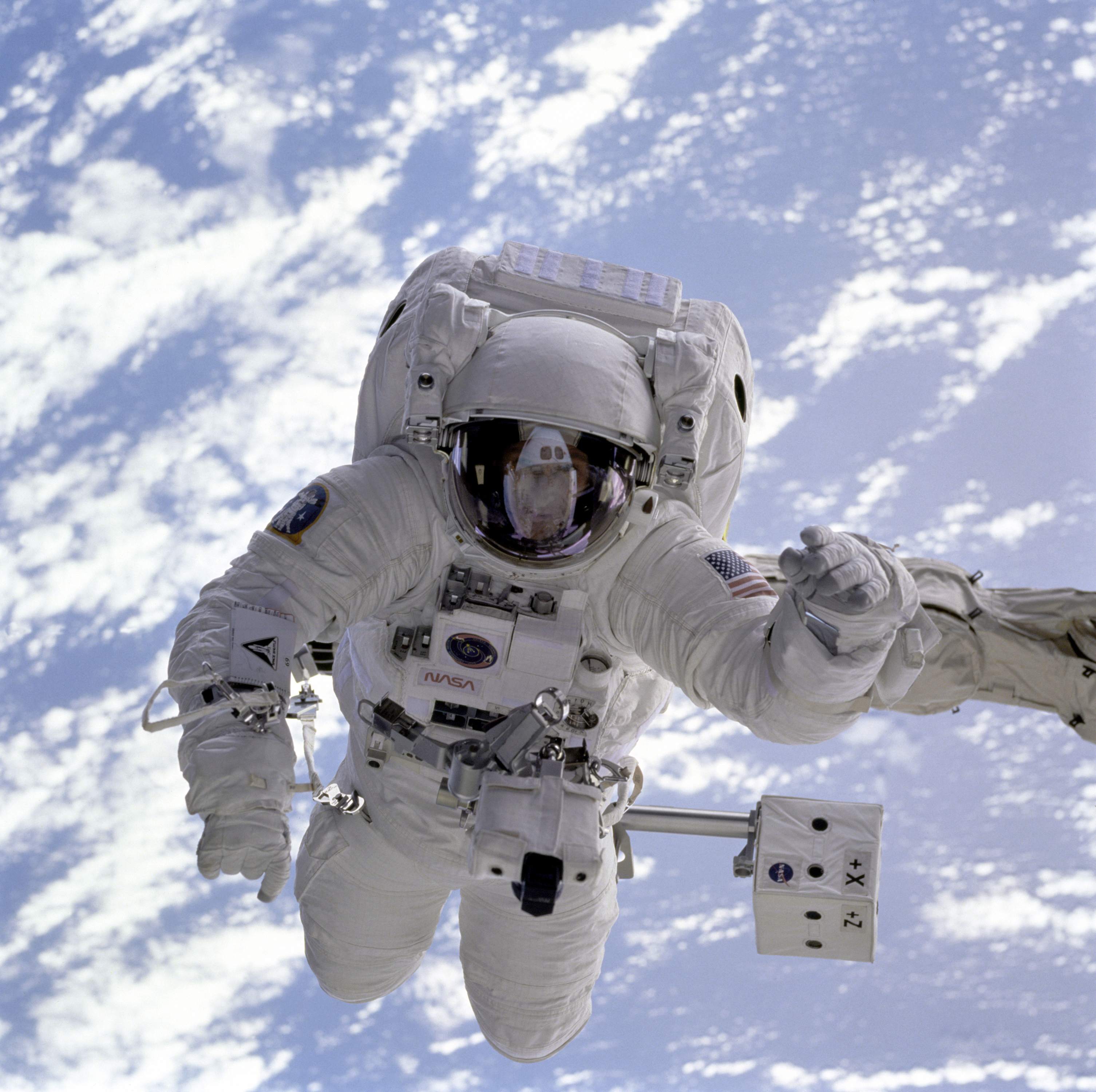 astronaut in space captions - photo #32