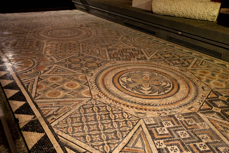 Ann Quilts Ancient Roman Mosaics