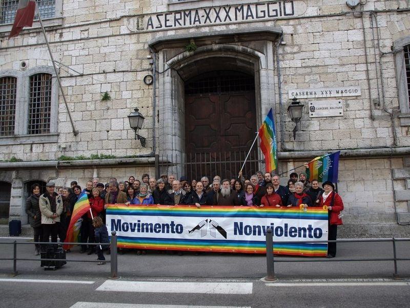 File:Movimento nonviolento.jpg