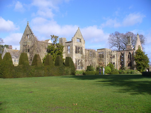 Nymans, Southern Frontage - geograph.org.uk - 709812