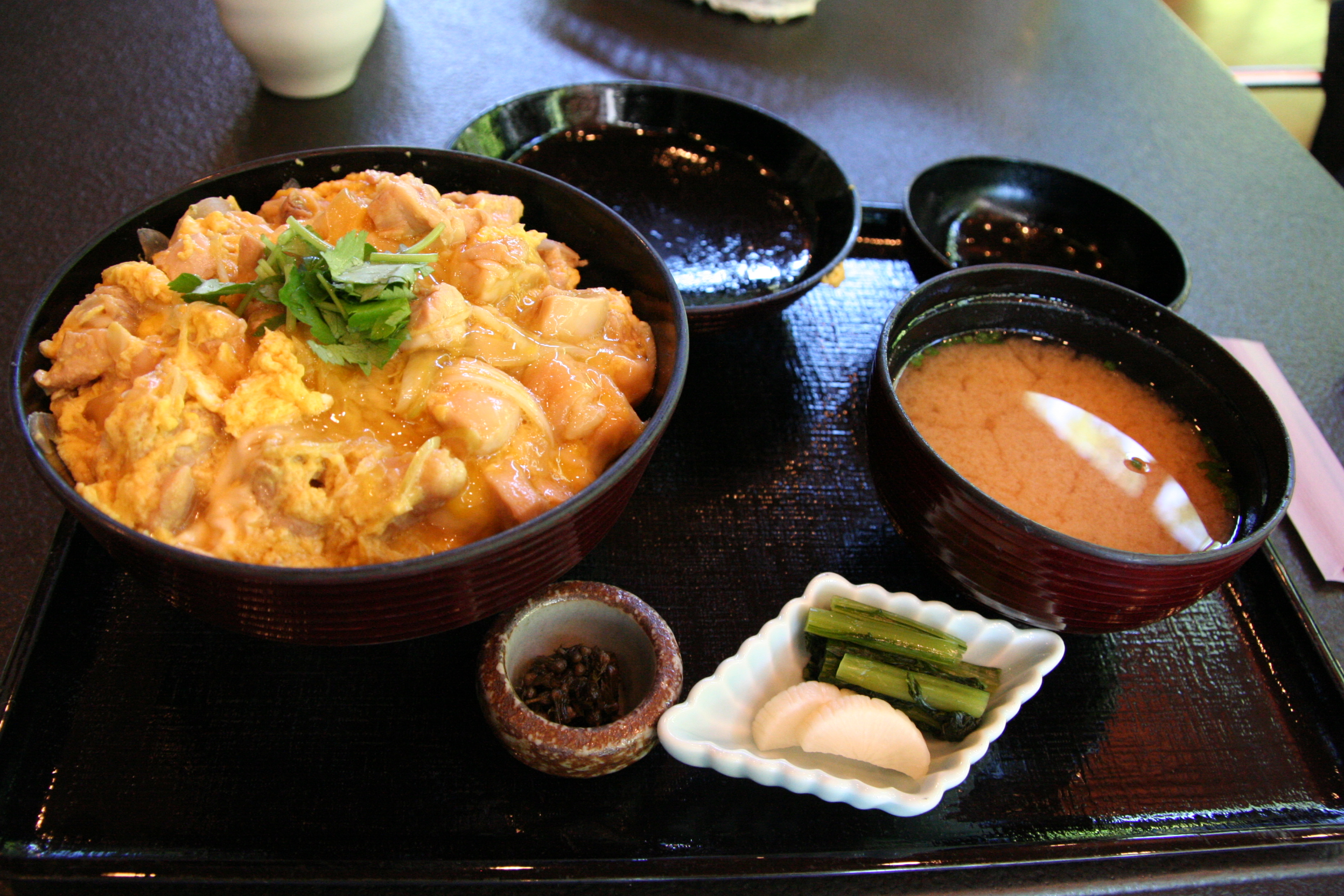 Description Oyakodon set by machu in Karuizawa, Nagano.jpg