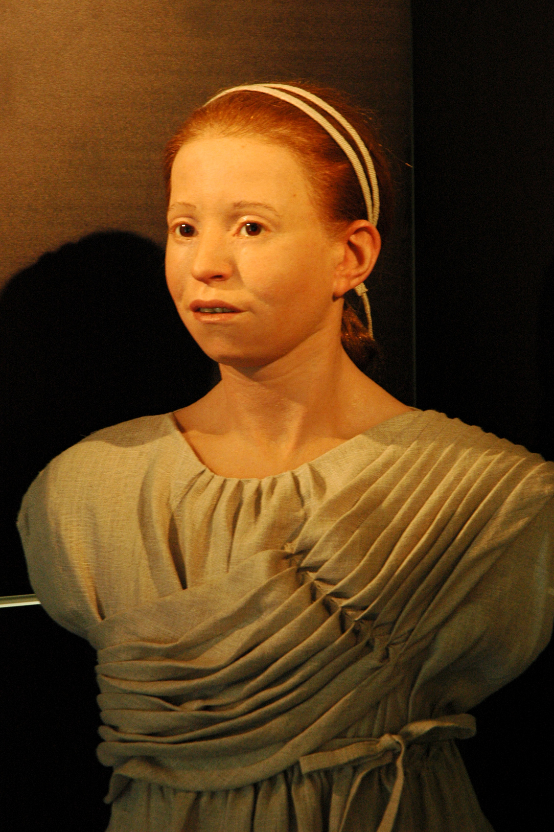 """File:Reconstruction of """"Myrtis"""", an ancient Athenian girl - www.myrtis.gr -  panoramio.jpg - Wikimedia Commons"""