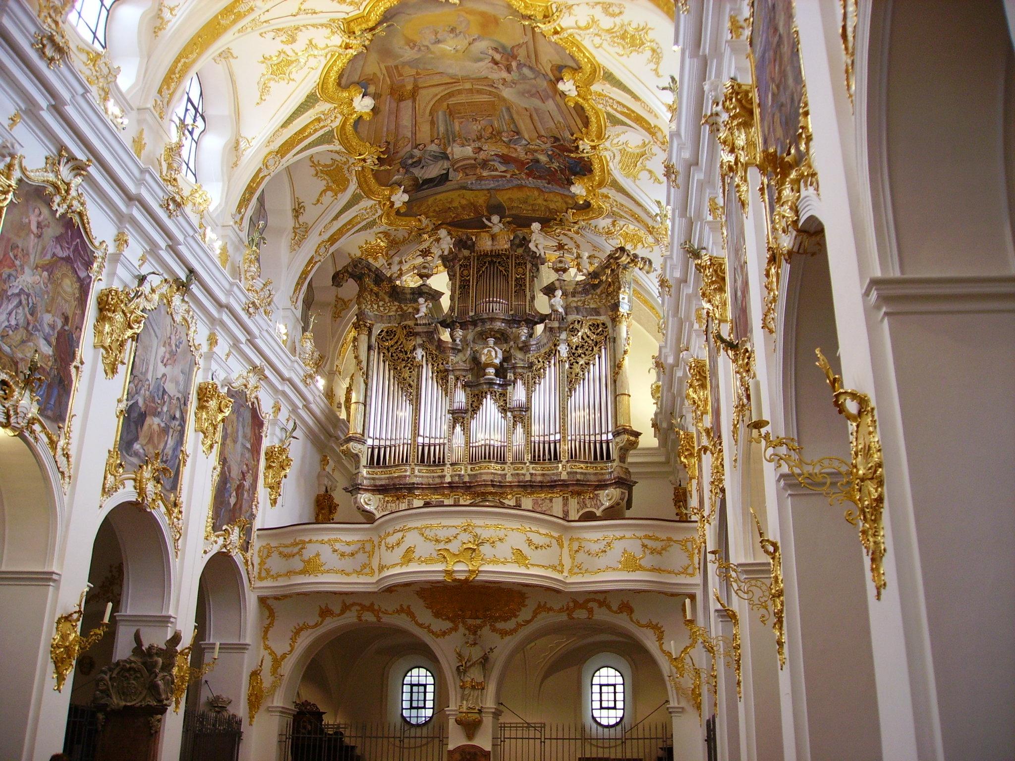File:Regensburg Basilika Unserer lieben Frau zur Alten