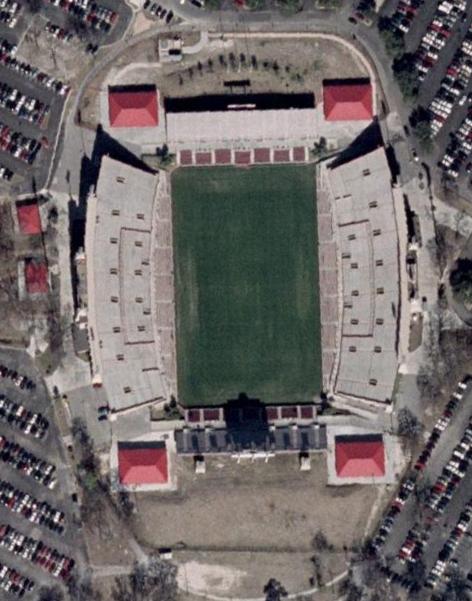 http://upload.wikimedia.org/wikipedia/commons/7/75/Robertson_Stadium_aerial.jpg