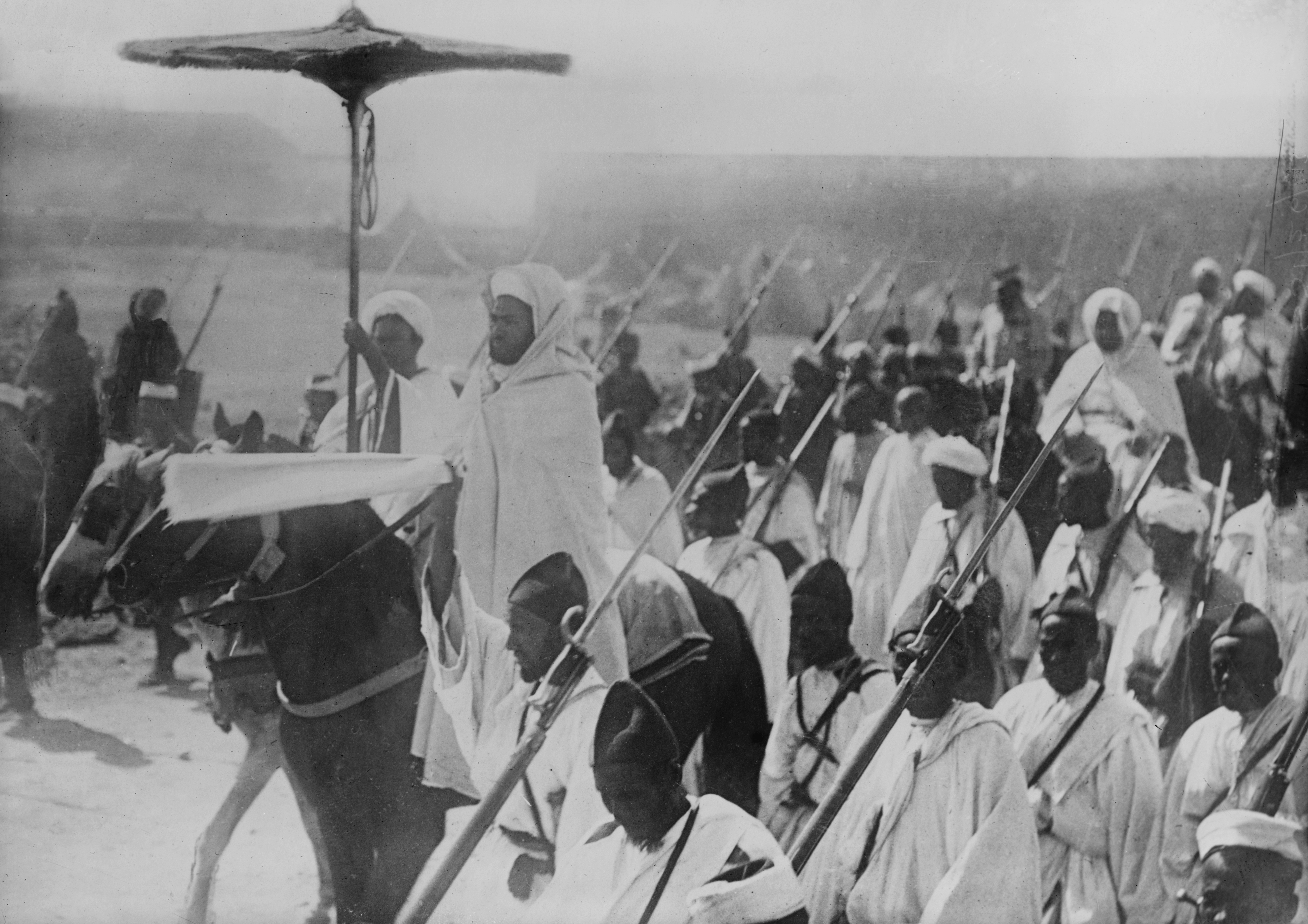 Senussi going to fight English in Egypt (circa 1915).