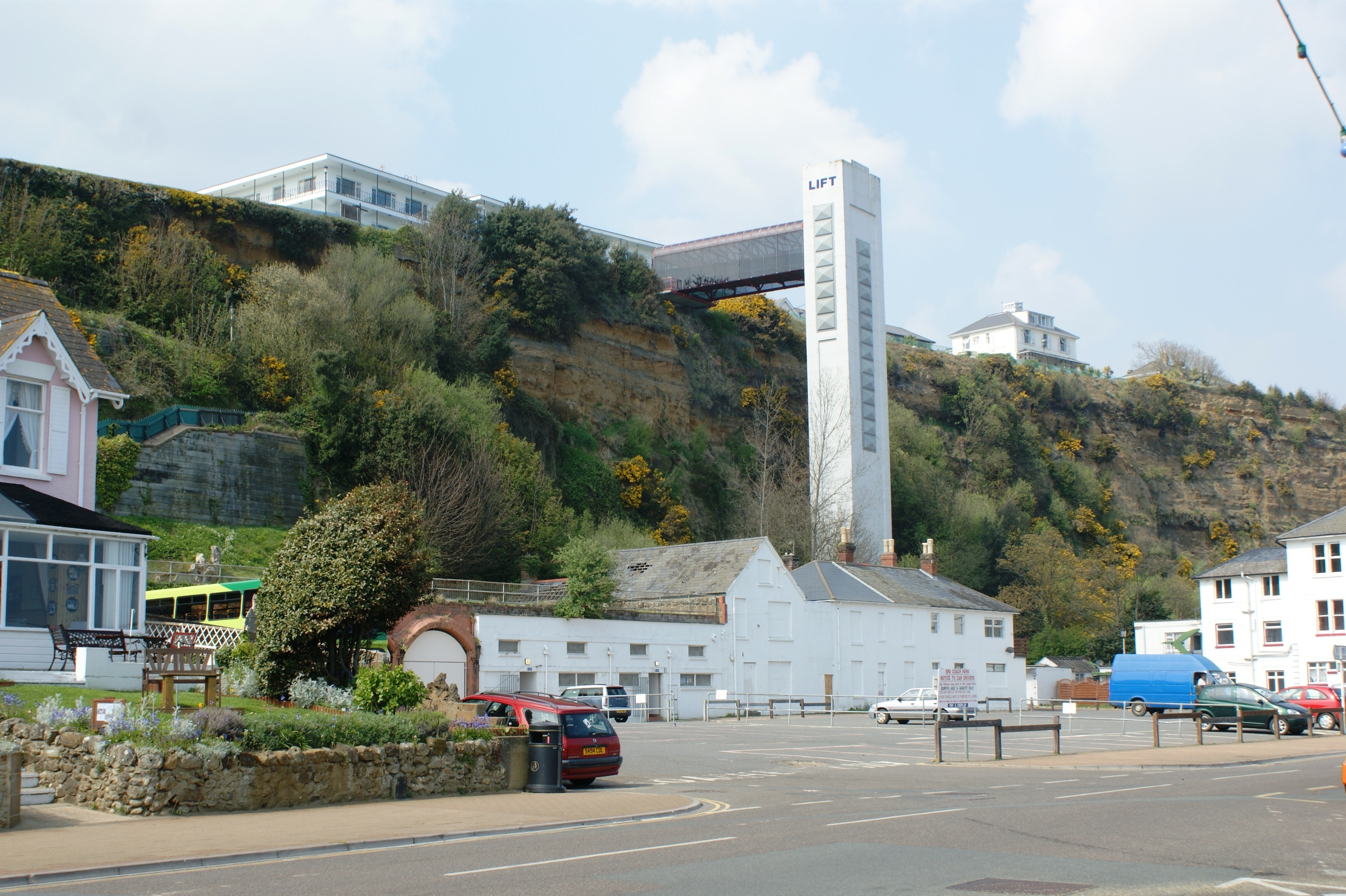 Boda Cliff House