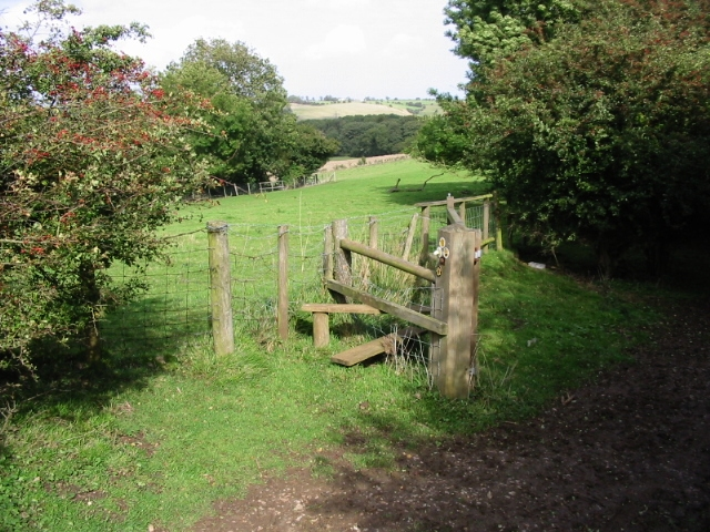 Stile on the Elham Valley Way - geograph.org.uk - 970278