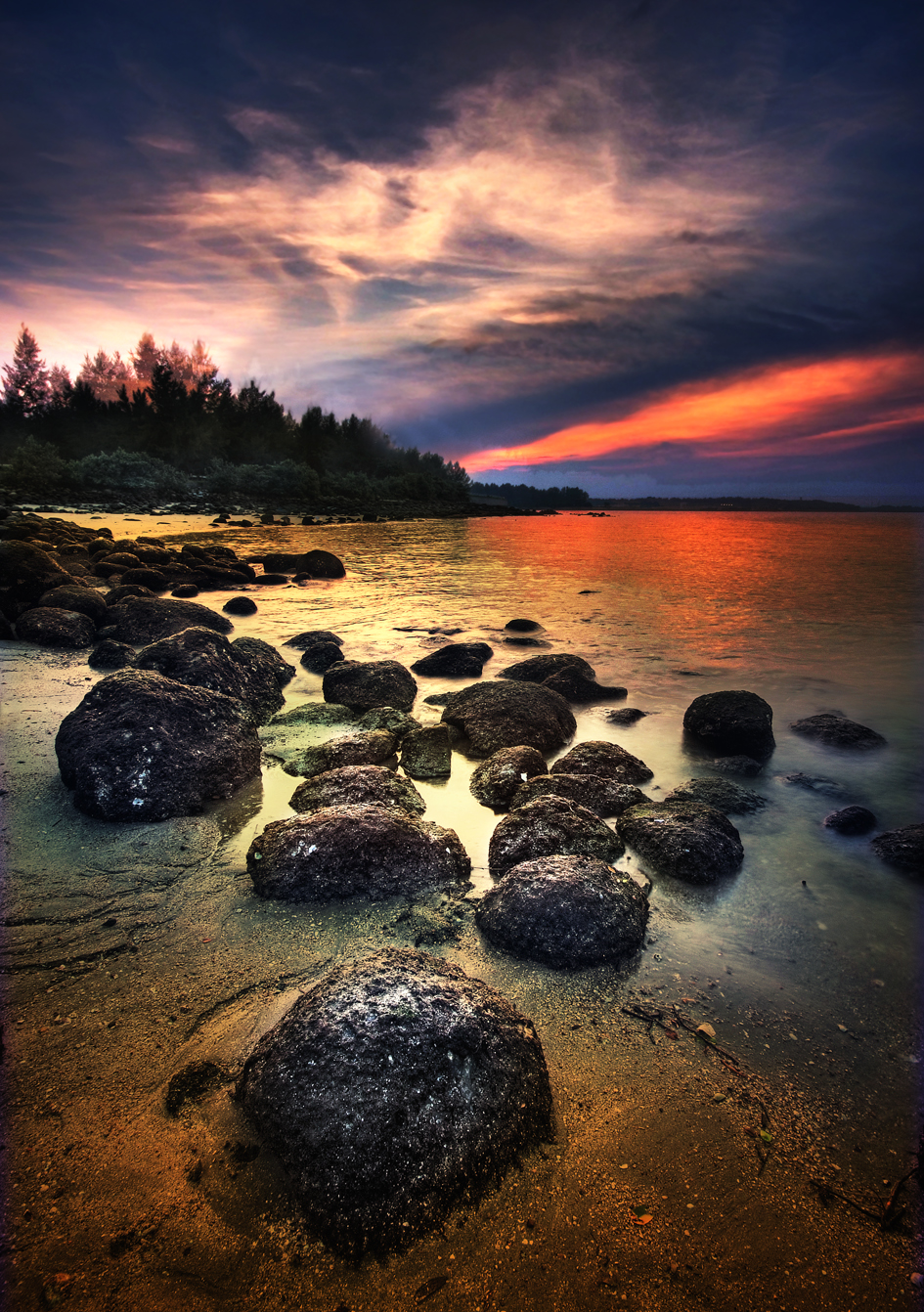 Sunset at Punggol Beach, Singapore - 20091018.jpg