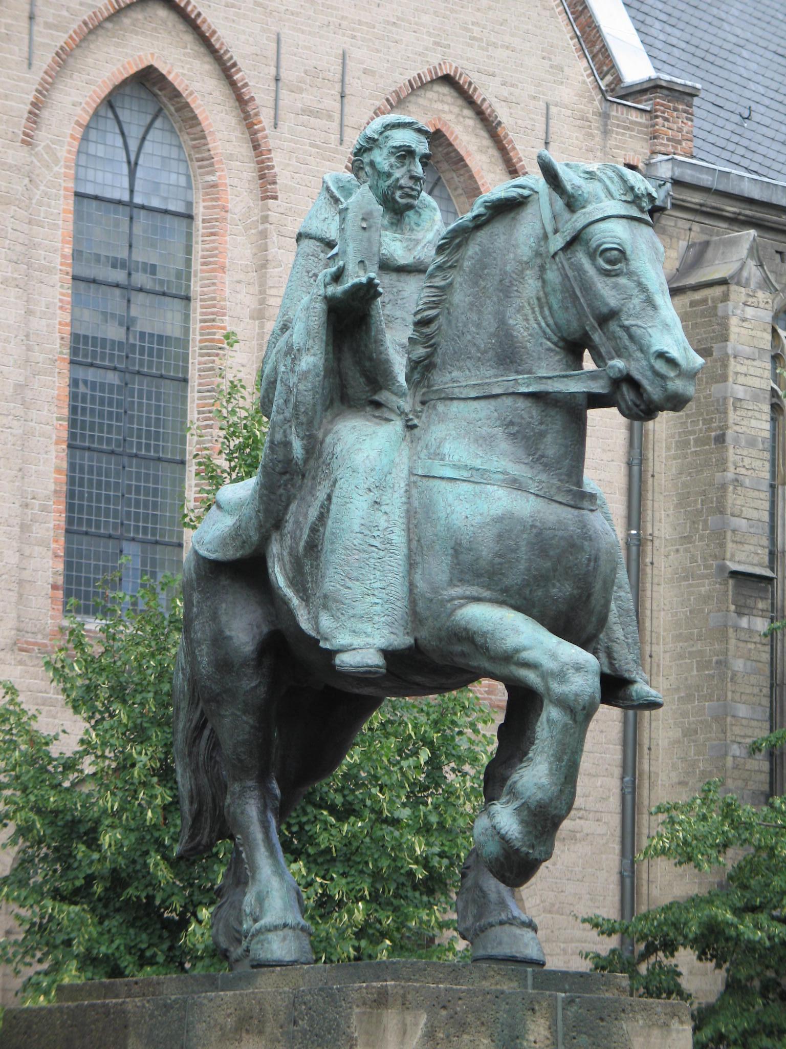 Ruiterstandbeeld Sint Willibrordus