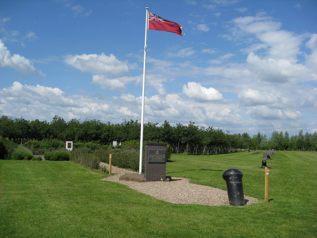 File:The Merchant Navy Convoy Memorial - geograph.org.uk - 847423.jpg