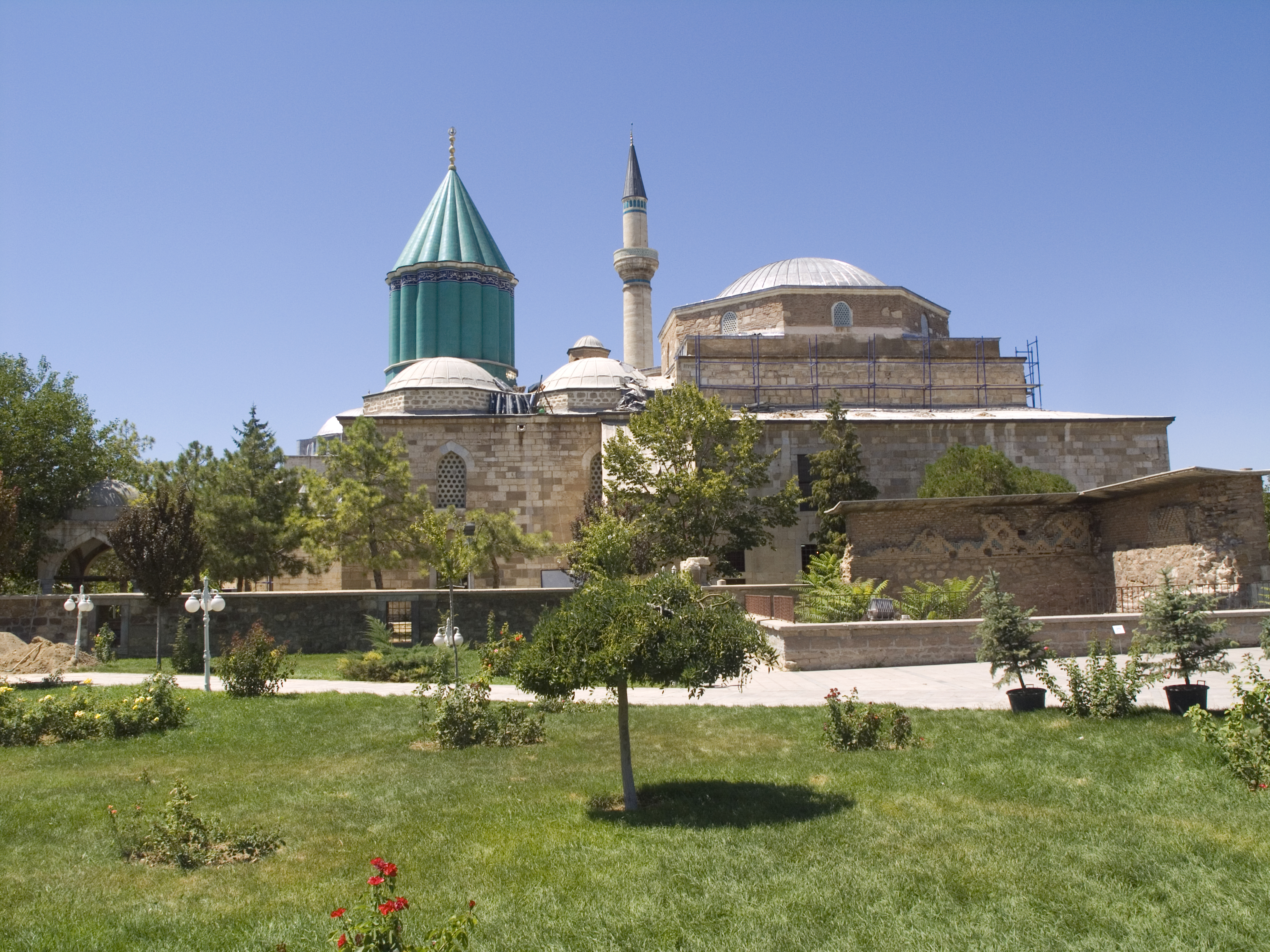 File:Turkey, Konya - Mevlana Museum 01.jpg - Wikimedia Commons