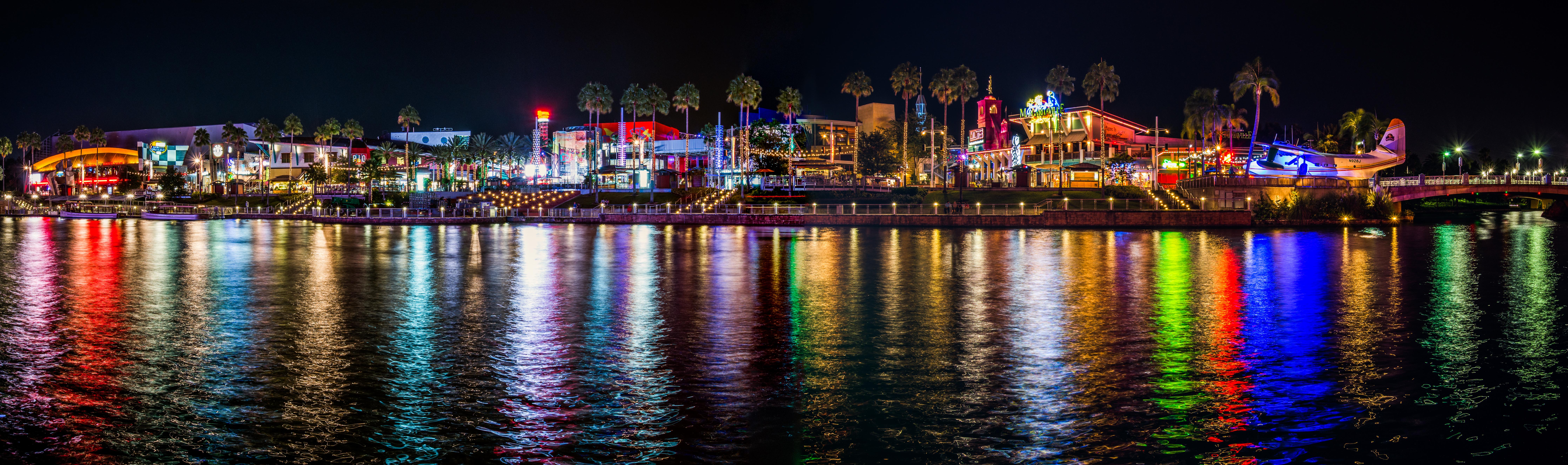 Universal CityWalk Panorama.jpg