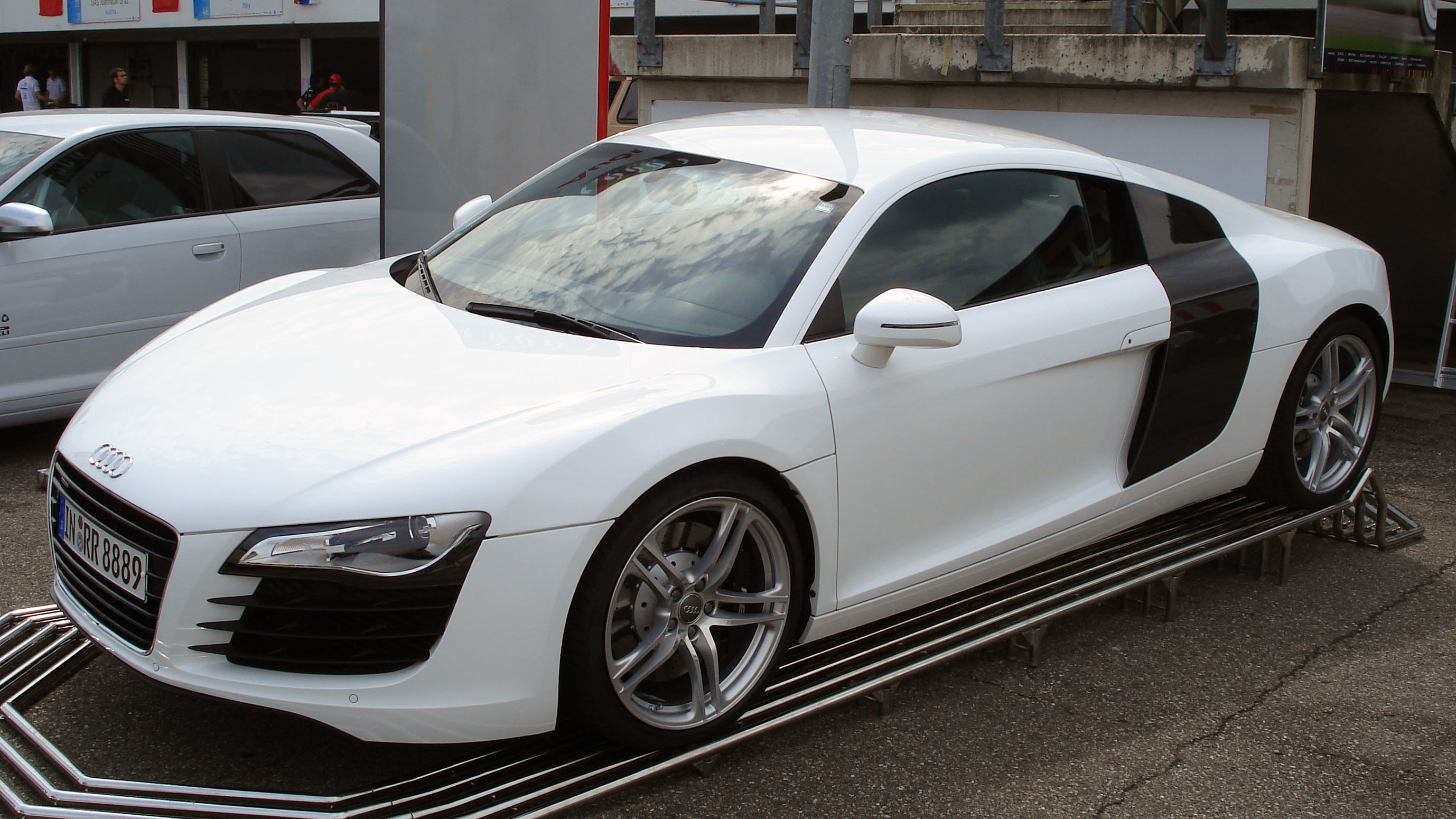 File White Audi R8 Fl Jpg Wikimedia Commons