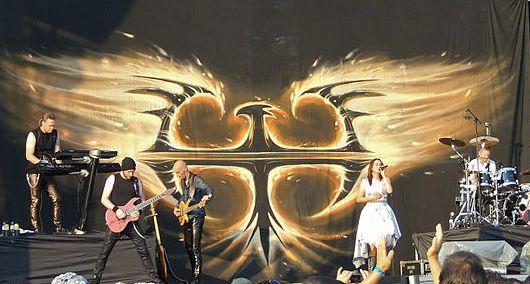 Ficheiro:Within Temptation - Sofia Rocks cropped.jpg
