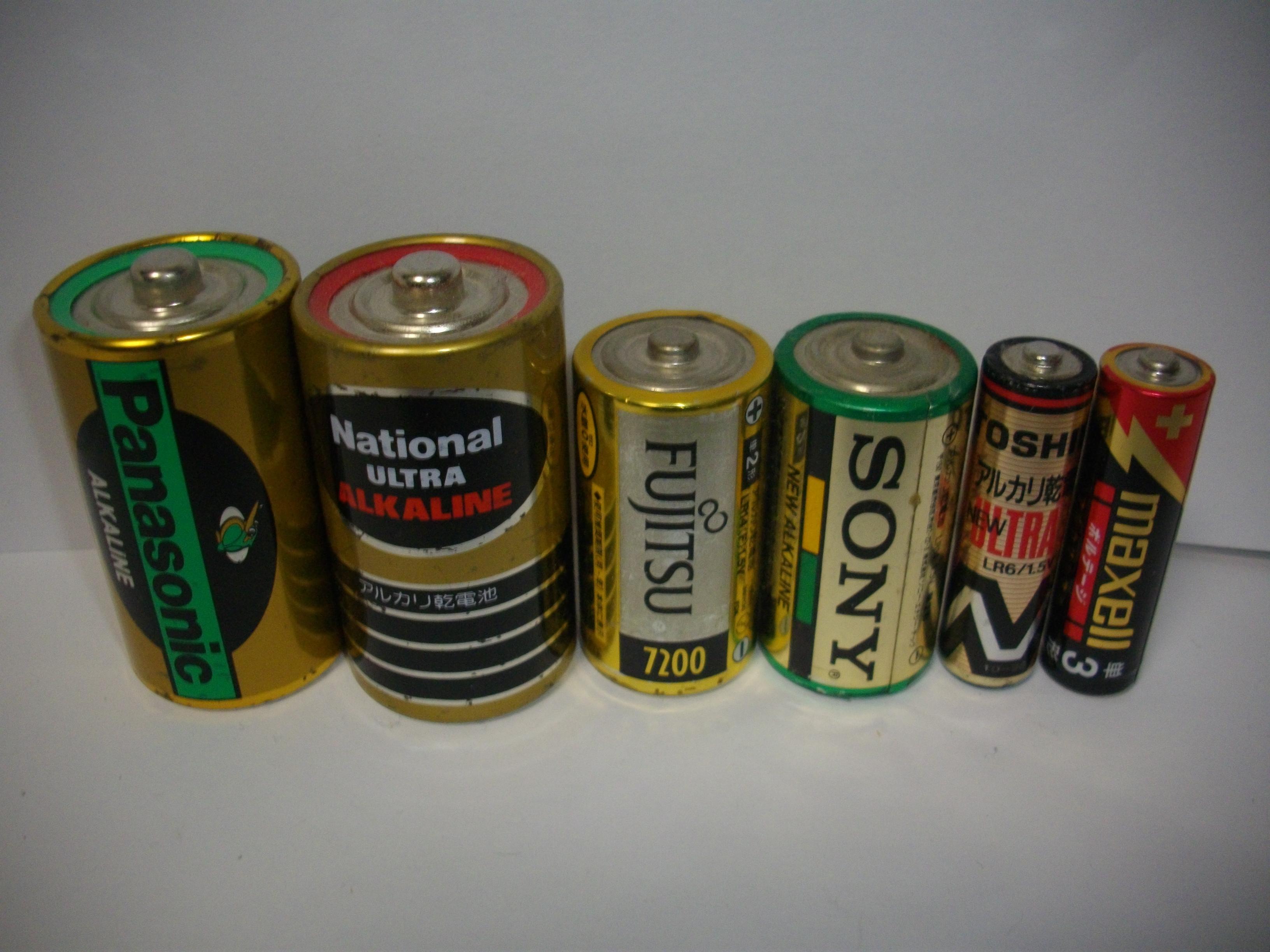 電池 電池 違い マンガン アルカリ