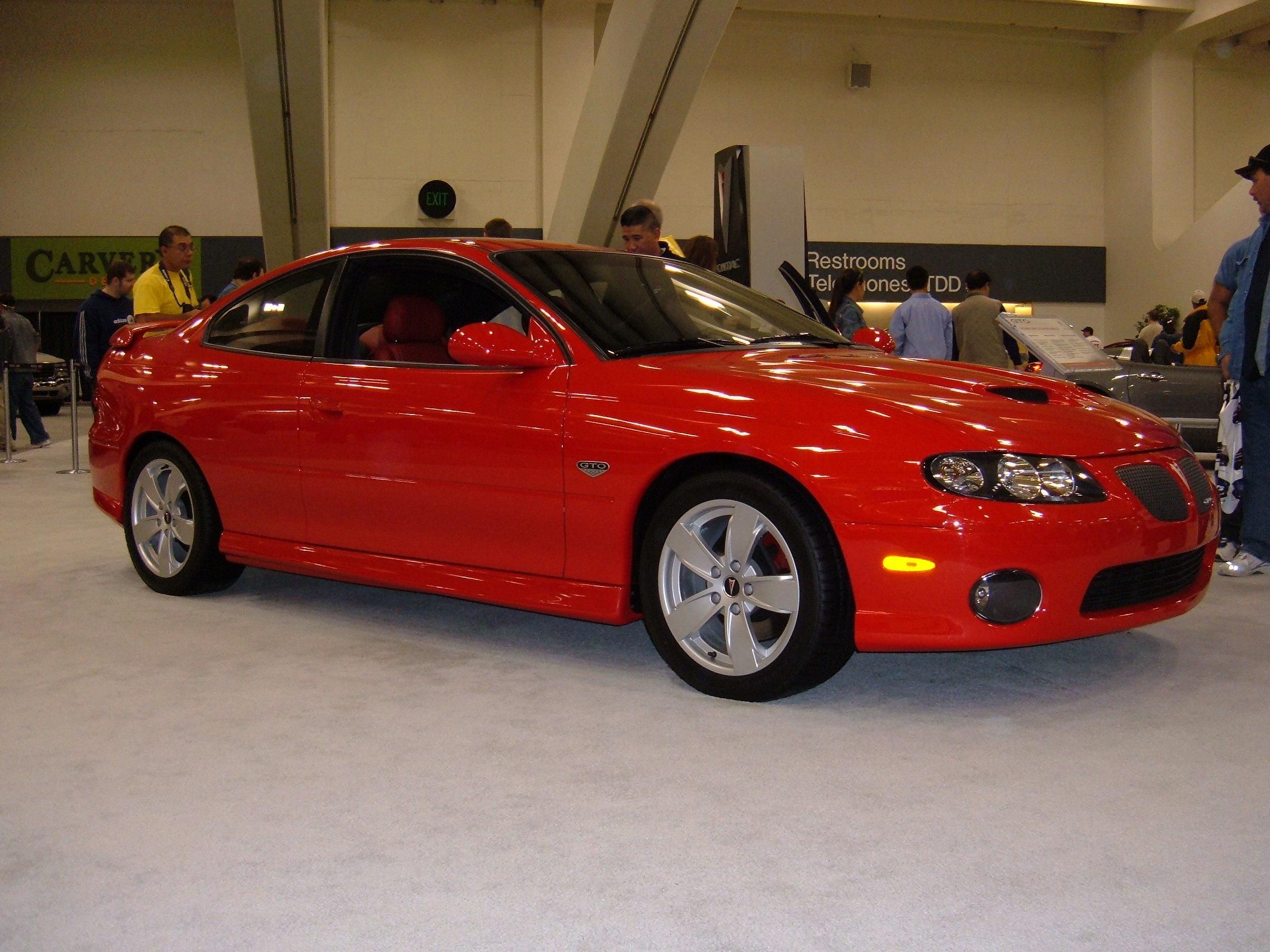File:2005 red Pontiac GTO side.JPG - Wikimedia Commons