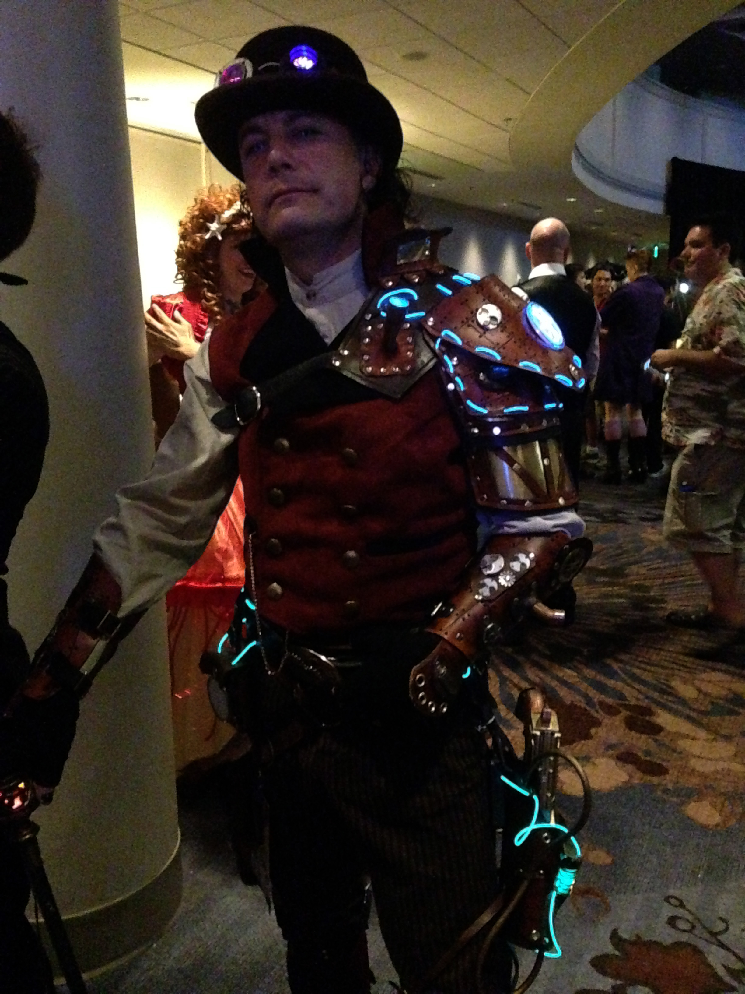 File2014 Dragon Con Cosplay - Ste&unk costumes 9 (15101226646).jpg  sc 1 st  Wikimedia Commons & File:2014 Dragon Con Cosplay - Steampunk costumes 9 (15101226646 ...