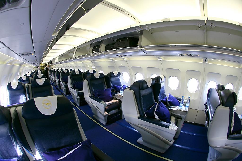 File Airbus A319 132lr Privatair Lufthansa An1355336