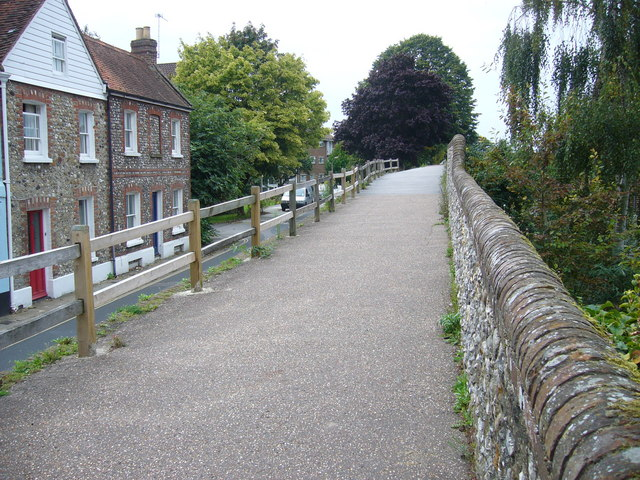 Along the North Walls, Chichester - geograph.org.uk - 1074620