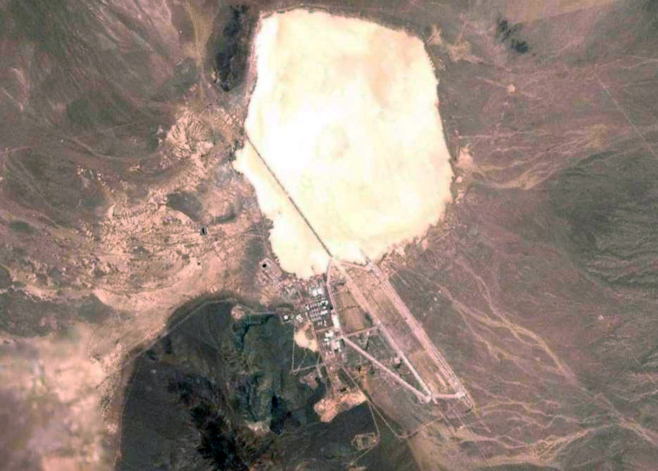 File:Groom Lake, Area 51, North of Las Vegas, Nevada (17576998524).jpg