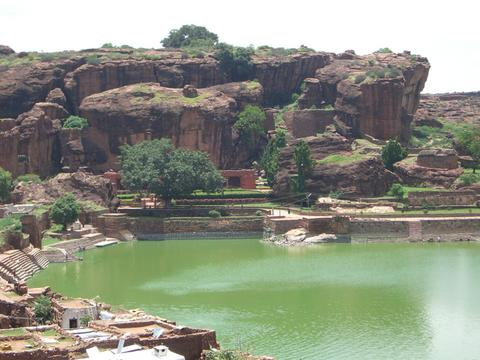 File:Badami countryside.jpg