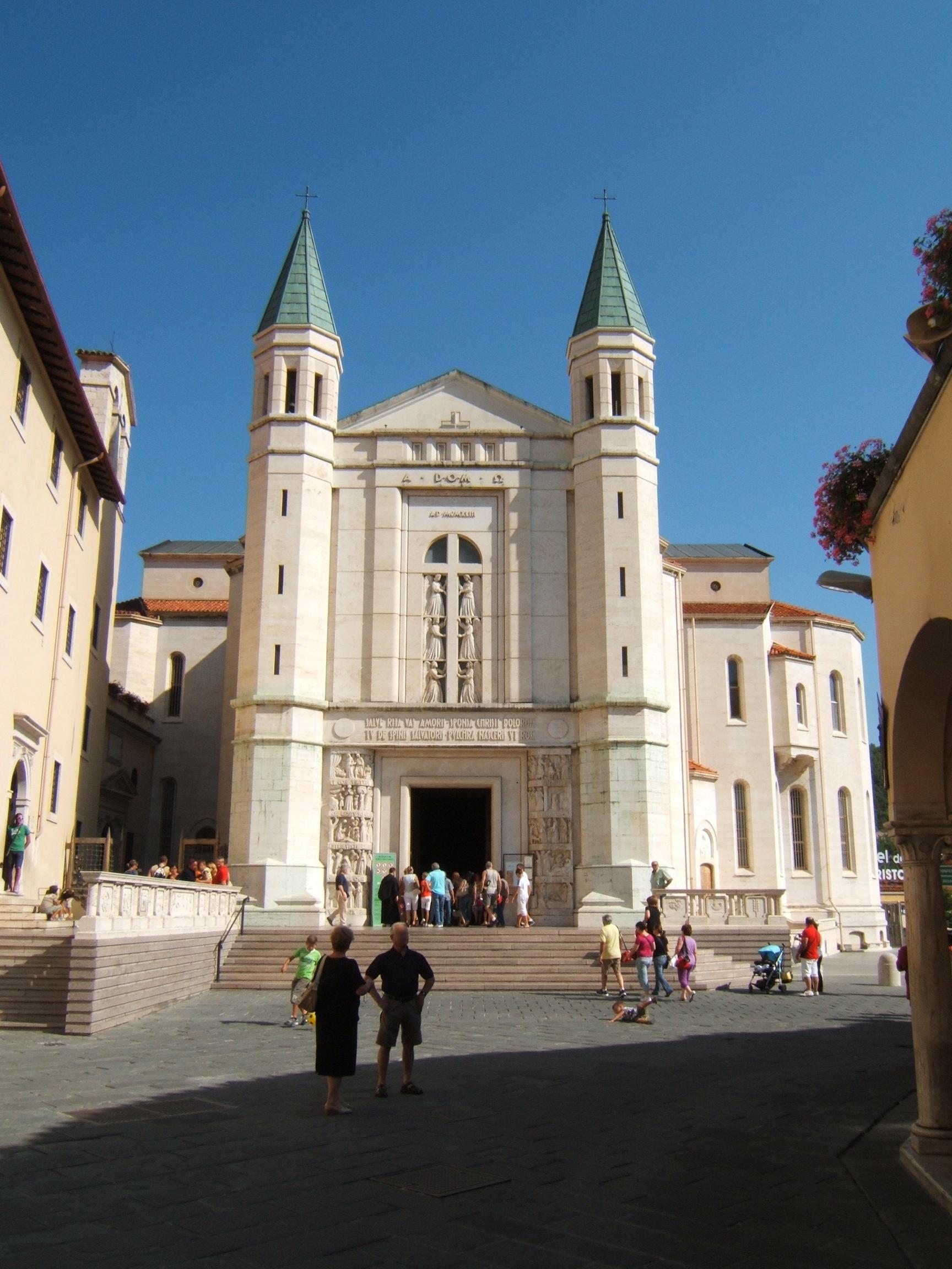 File basilica santa rita a wikimedia commons for Basilica di santa rita da cascia