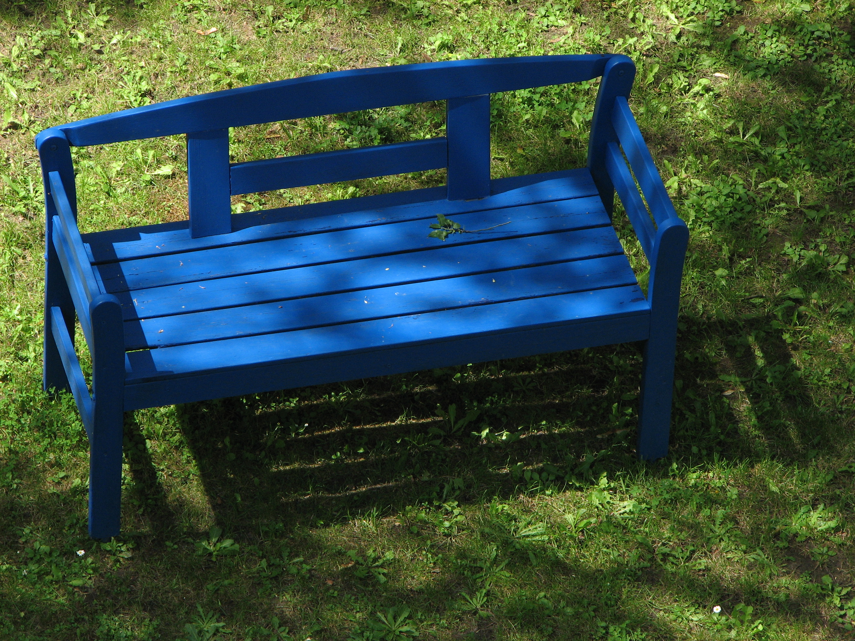 Groovy File Blue Wooden Bench Wikimedia Commons Unemploymentrelief Wooden Chair Designs For Living Room Unemploymentrelieforg