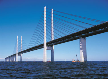 File:Bridge over Øresund.jpg