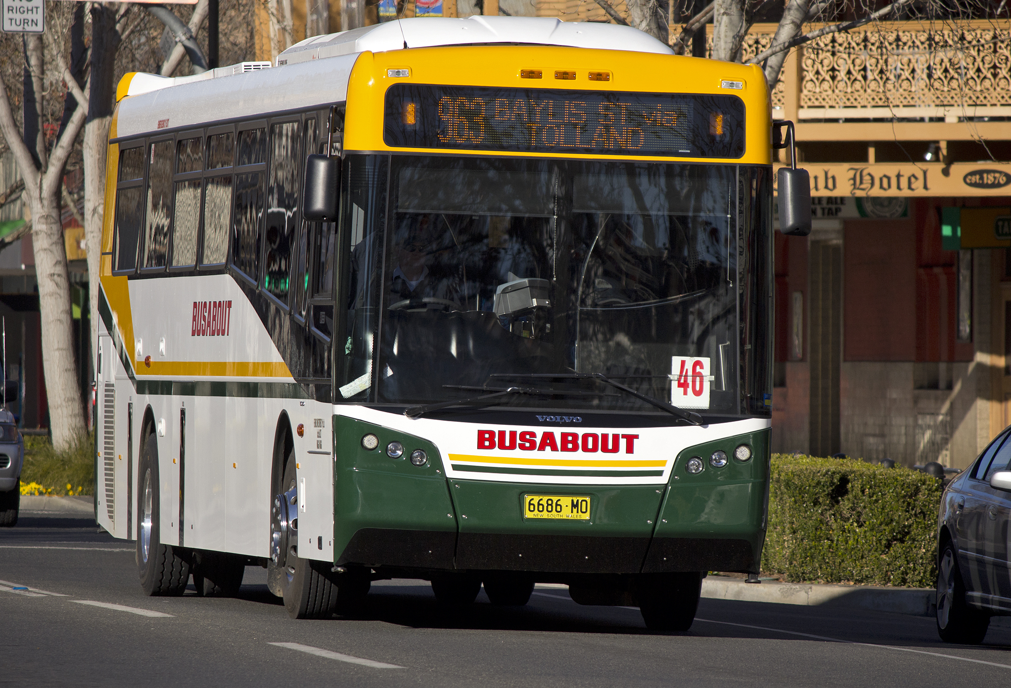 File:Busabout Wagga - Bustech 'SBV' bodied Volvo B7R (6686 ...