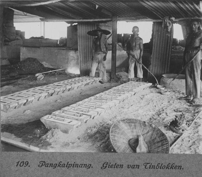 Beschrijving Collectie Tropenmuseum Het Gieten Van Schuitjes Tin Te