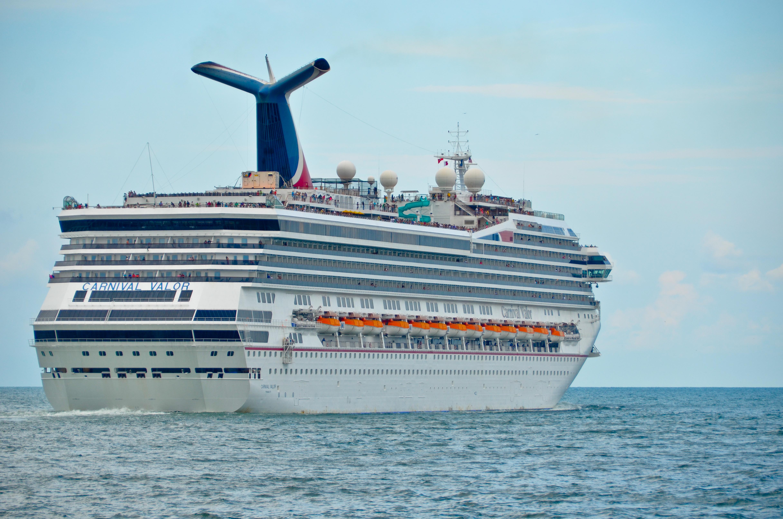 FileCarnival Valor Cruise Ship Jpg Wikimedia - Valor cruise ship