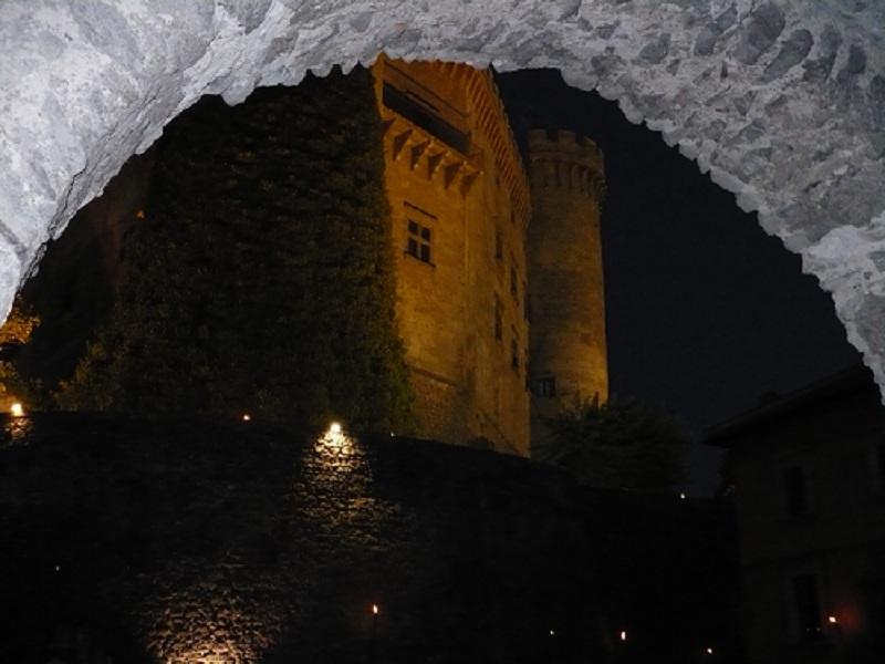 File:Castello Odescalchi altra visione, Bracciano, Roma, Italy.JPG