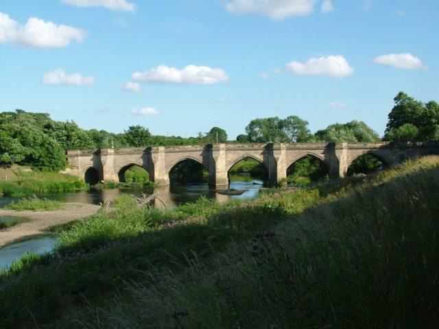 Croft Bridge - geograph.org.uk - 76674