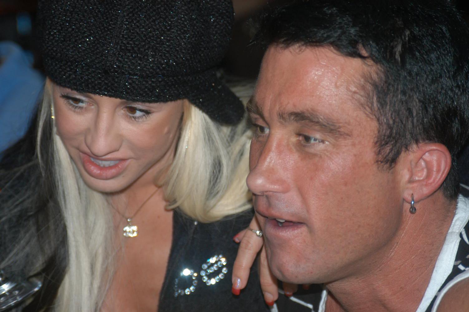 File:Davia Ardell, Billy Glide at Porn Star Karaoke 1.jpg