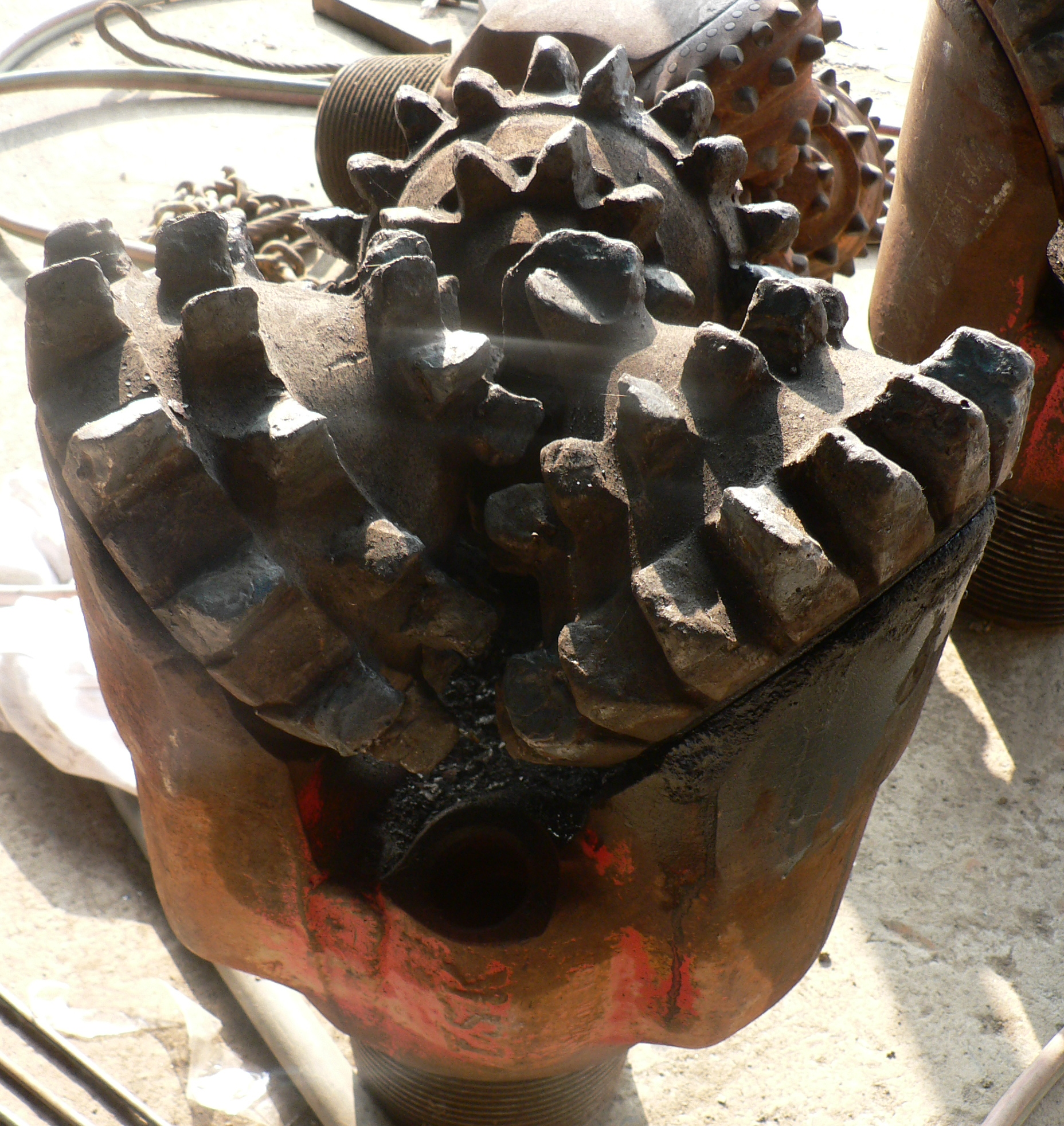 File:Drill bit p1110093.jpg - Wikimedia Commons