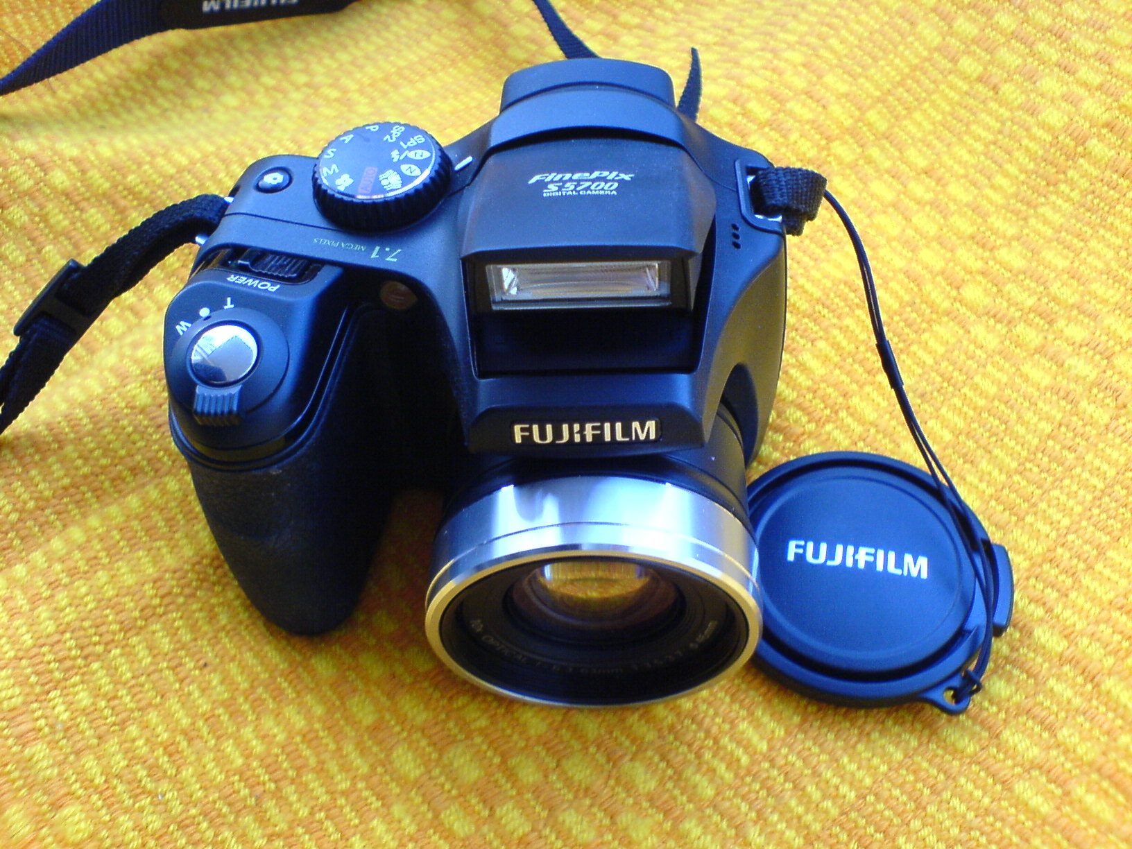 Fuji finepix s5700 200 only for Finepix s5700 prix