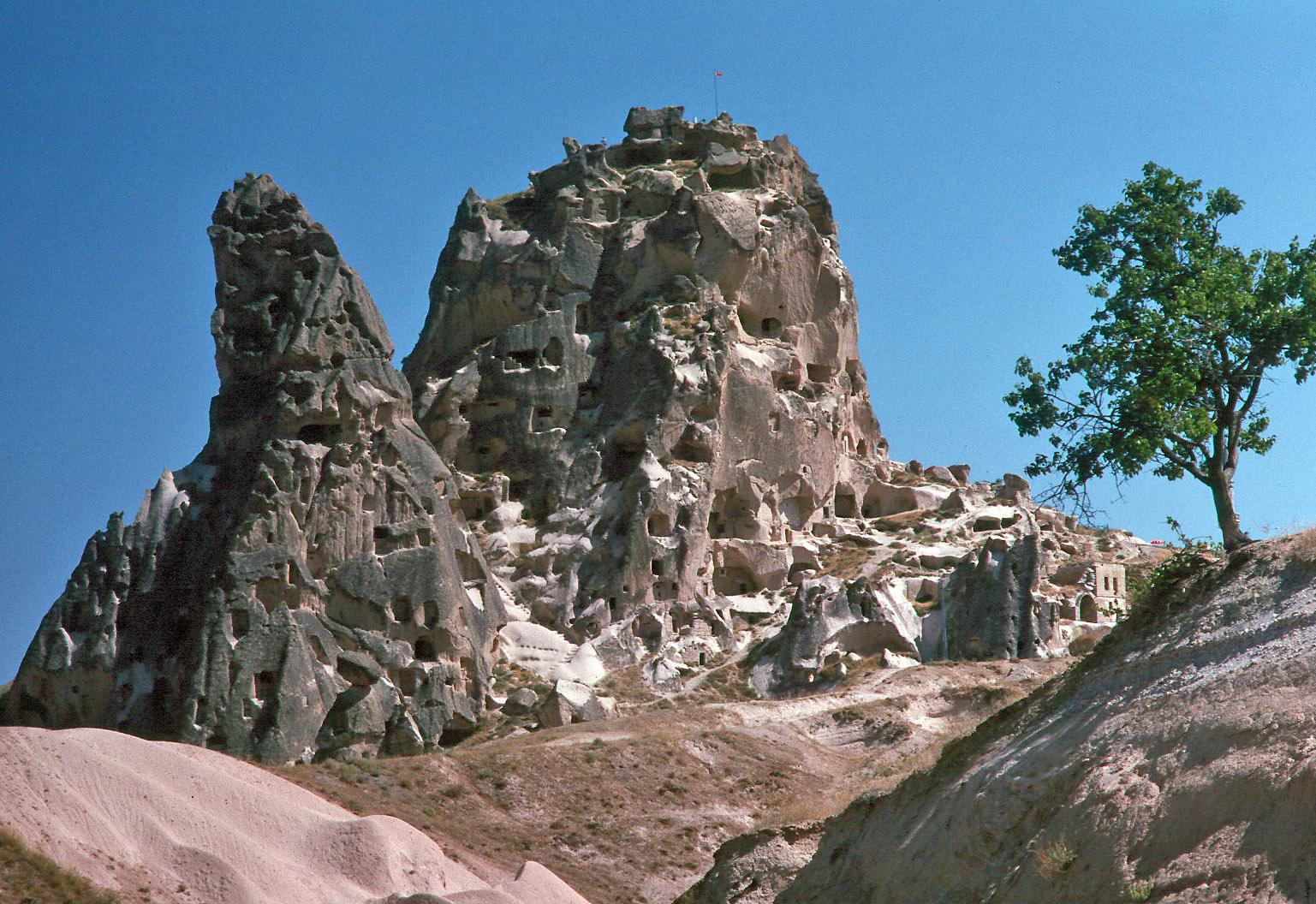 File:Göreme Felsenwohnungen.jpg - Wikimedia Commons