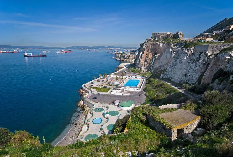 File:Gibraltar - Rosia.jpg