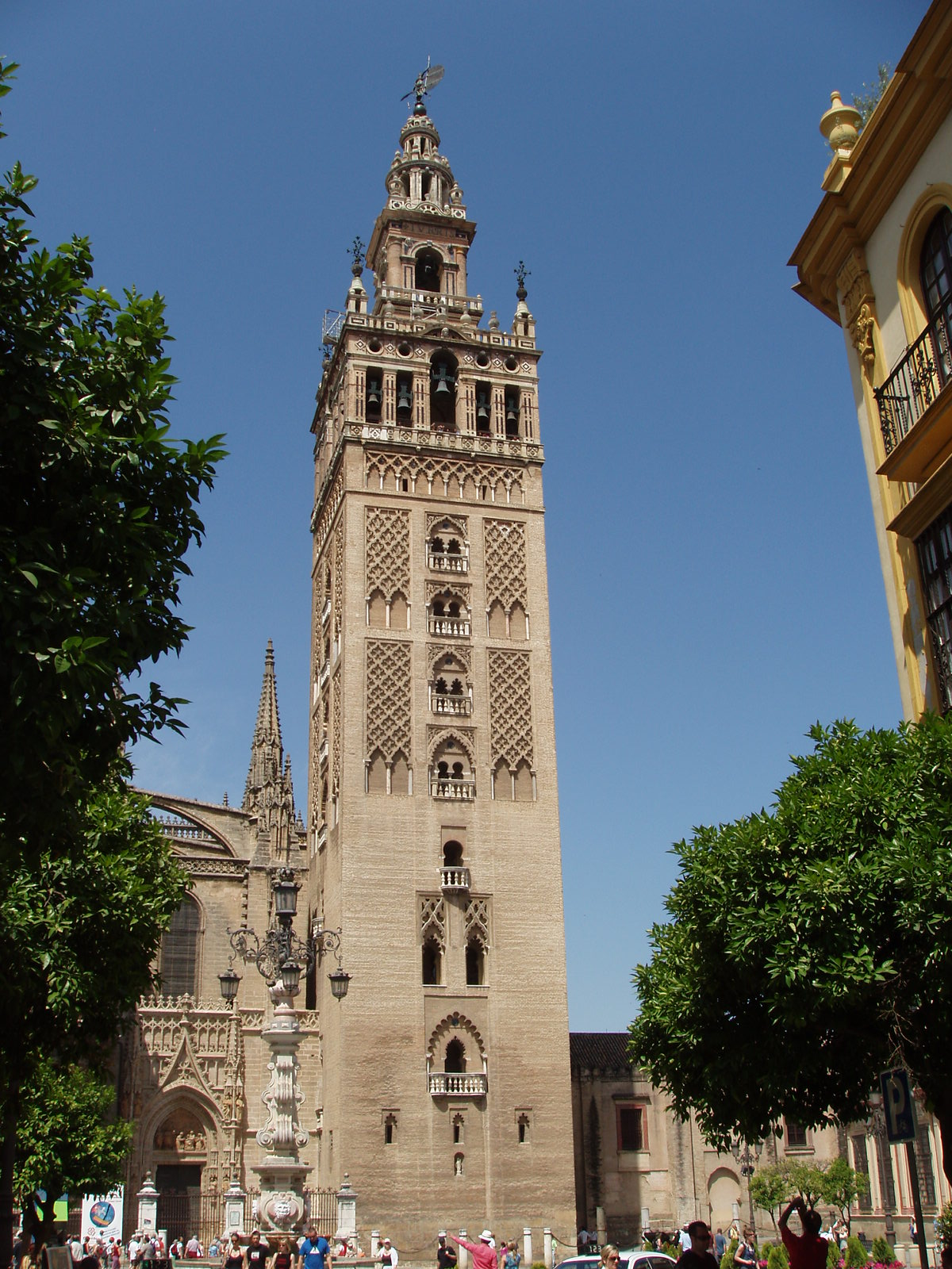 Giralda wikipedia for Arquitectura sevilla